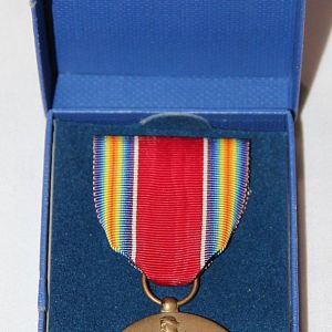 H118. WWII VICTORY MEDAL NEW IN BOX