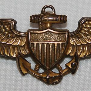 H103. LATE WWII FULL SIZE USN BALFOUR PILOT WINGS