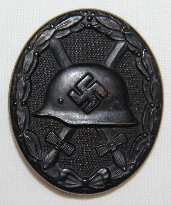 Q054. WWII GERMAN BLACK WOUND BADGE