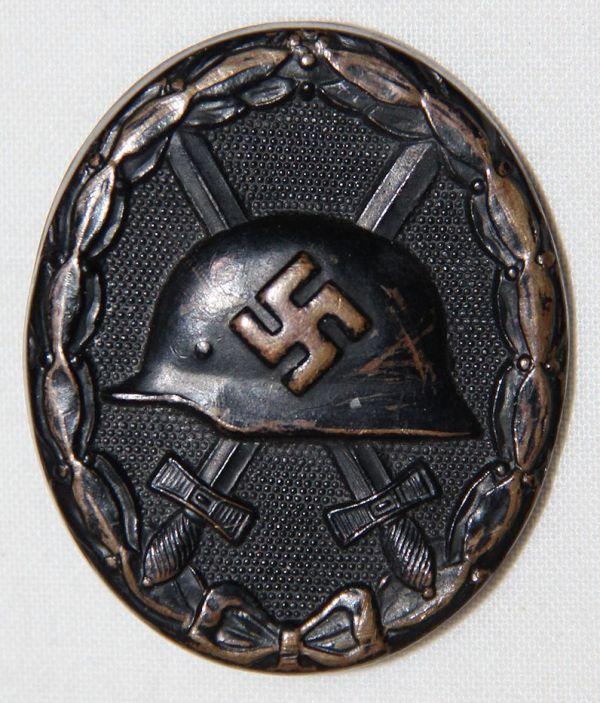 Q061. WWII GERMAN BLACK WOUND BADGE