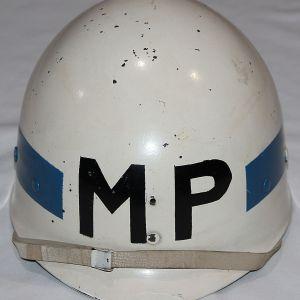 S133. KOREAN WAR ERA PERSHING RIFLES MILITARY POLICE M1 HELMET LINER
