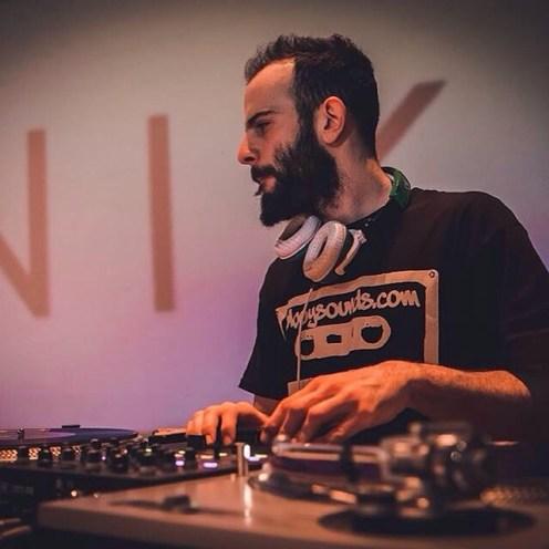 DJ @amazeme88 reppin Bboysounds in Greece!Get down!! Bboywear.com#bboysounds #bboysoundscassette