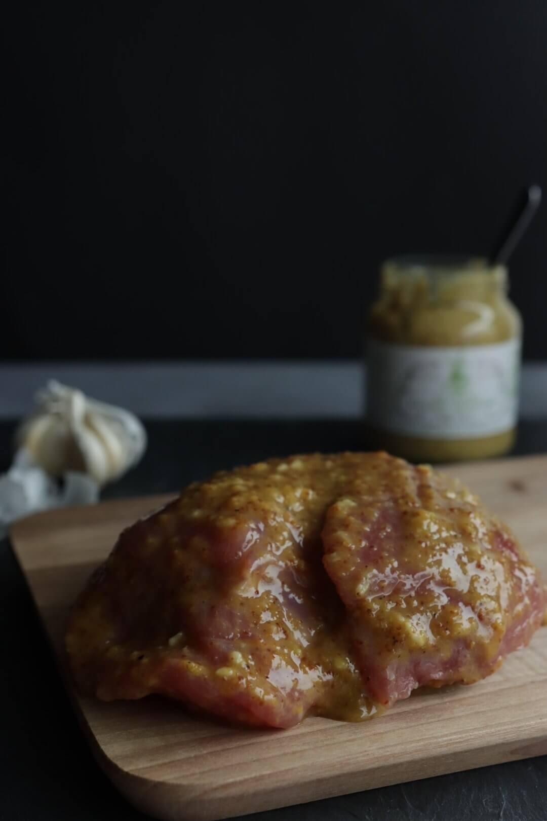 Beenham met honing mosterd van de BBQ