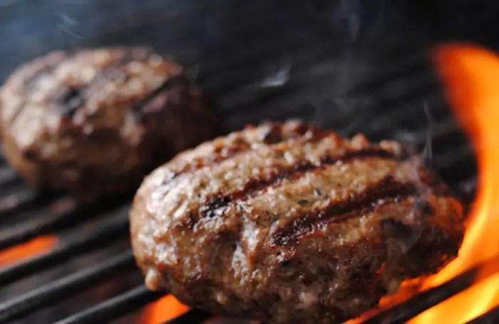 hamburger-op-het-rooster