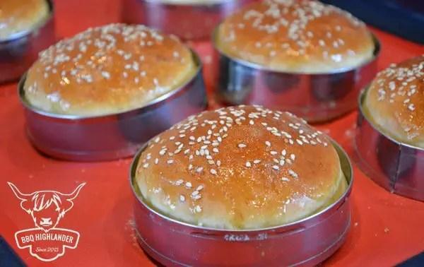 Burger Buns fertig im Ring