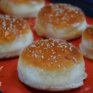Einfach, schnell und sau lecker…so einfach mit diesem Burger Bun-Rezept
