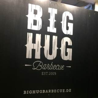 BIG HUG Barbecue