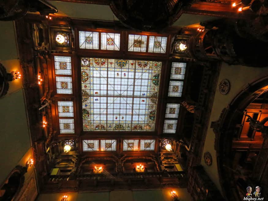 Why Peles Castle Is The One Place You Cant Miss In Romania