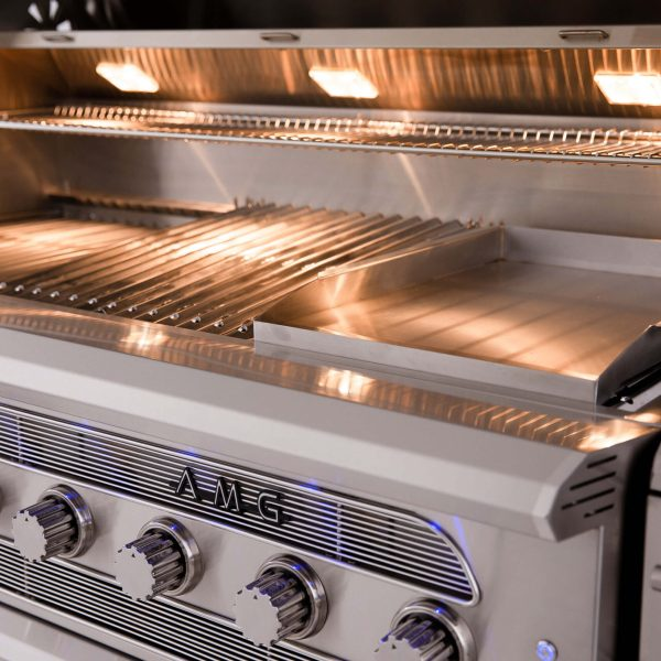 American Muscle Grills Multi-Fuel Built-in Barbecue Grill Close-up