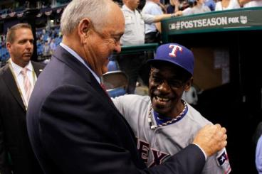 Nolan Ryan & Ron Washington. Getty Images.