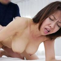 天宮よし子54歳 垂れ巨乳でエロい黒乳首の美熟女『 初撮り五十路妻ドキュメント』