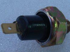 Датчик давление масла Д 2500- Д 3900 / В26661121/ 825,02160 / датчик масла болгарского погрузчика