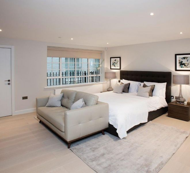 Victoria in London property, master bedroom