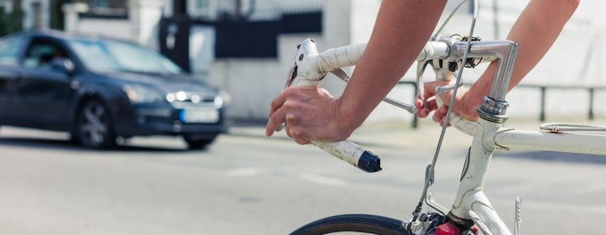 Arrogant cyclists. What can drivers do about them?