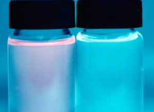 Figure 1. Comparison between fluorescent urine of a VP patient (left) and that of a healthy individual (right).