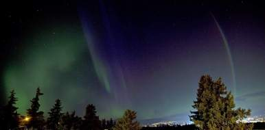 Aurora seen from Vernon BC 22 Apr by Jerry Mason