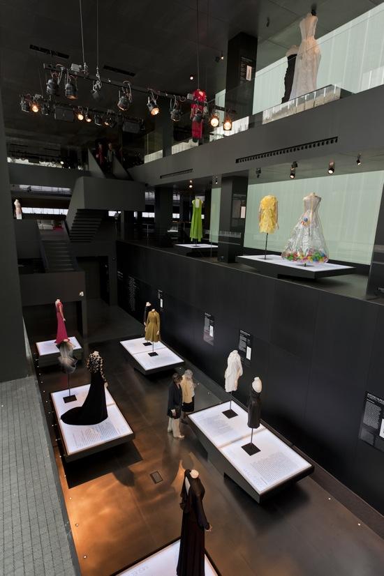 Exposicion_20trajes_Roca_Barcelona_gallery