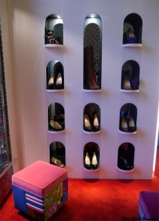 christian-louboutin-boutique-roma travertino