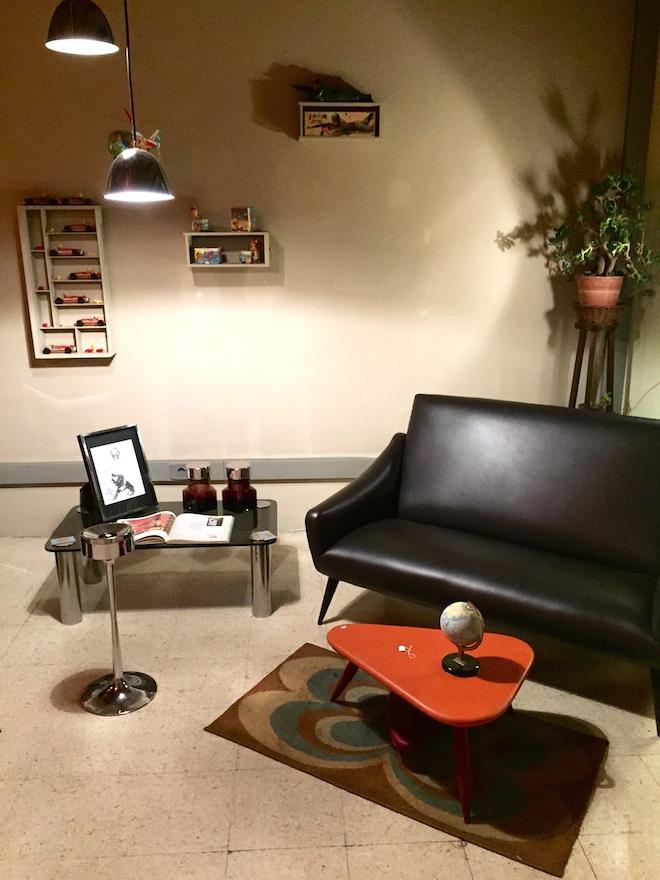 360 art community sofa retro