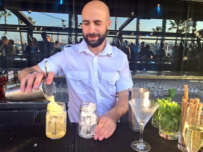 Salt Beach Club cocteles mixologist