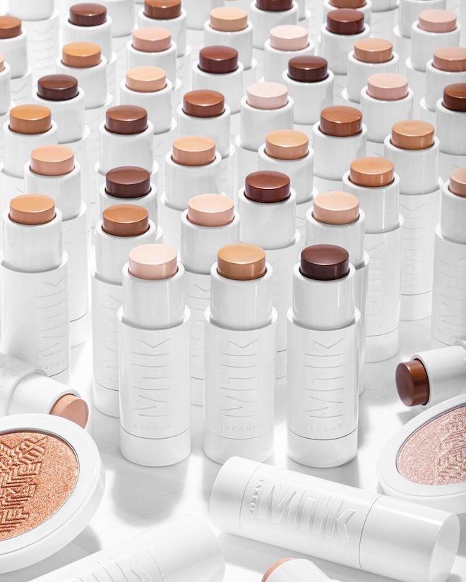 milk makeup base maquillaje