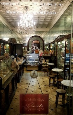 tiendas centenarias barcelona pasteleria pujol