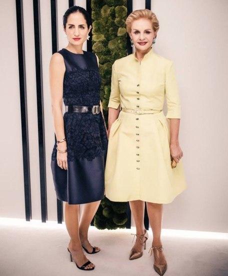 © Carolina Herrera. La diseñadora y su hija recientemente en Dubai en la presentación de su nueva línea de fragancias Herrera Confidential.