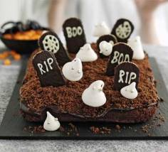 Halloween Party Ideas - Haunted Graveyard Cake