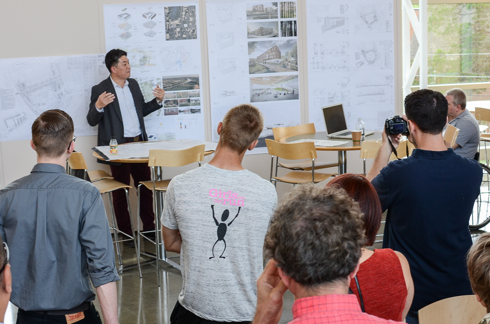 Tom Chung from LWA described the building design