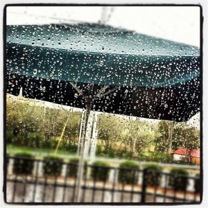 Rain on Window at Starbucks via bdentzy