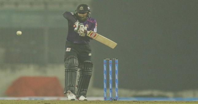 Riding on the fourth fifty of the season by Imrul Kayes, Chattogram Challengers beat Rajshahi Royals in the ongoing Bangabandhu Bangladesh Premier League (BPL) at Sher-e-Bangla National Cricket Stadium on Tuesday to reclaim the top place of the points table. Photo: UNB