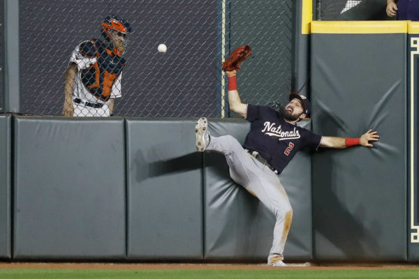 Soto sparks Nationals pas Astros in World Series opener