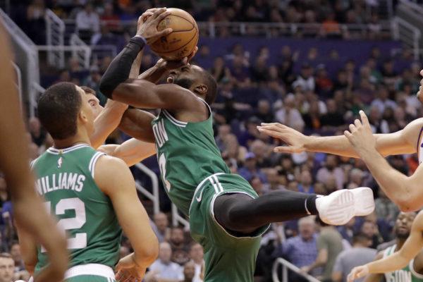 Tatum scores 26 points to lead Celtics past Suns