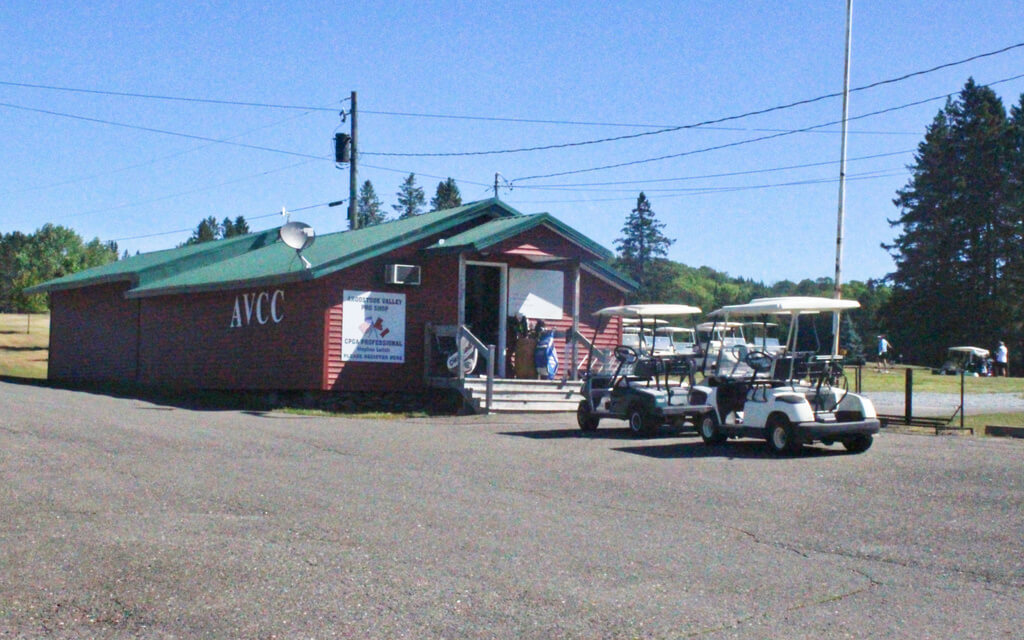 bangordailynews.com - Larry Mahoney - A northern Maine golf course is in jeopardy as US-Canadian border restrictions drag on