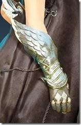 Crown Eagle - SR Amulet Stowed