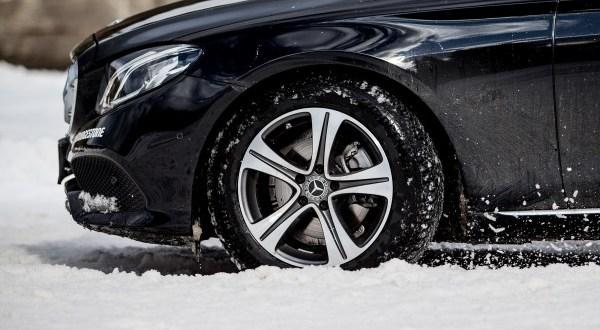 A Bridgestone téli abroncsa sorra nyeri a rangos díjakat Európában