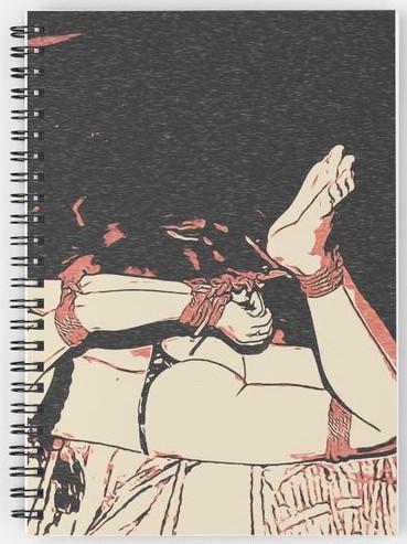 couverture d'un carnet représentant une femme attachée sur le ventre