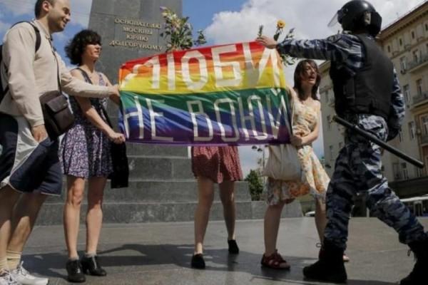 Οι Ρώσοι θέλουν δικαιώματα για τους ομοφυλόφιλους αλλά...δεν τους συμπαθούν! - LGBT News