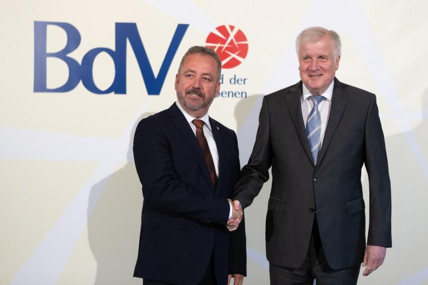 """""""Seien Sie starke Partner an unserer Seite"""". Horst Seehofer beim Tag der Heimat des BdV in Berlin"""