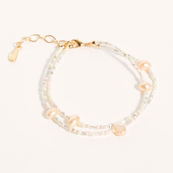 A layered pearl anklet.