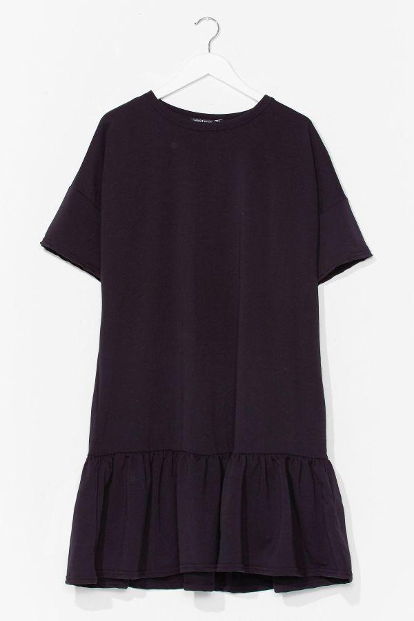 A black short-sleeve dress.