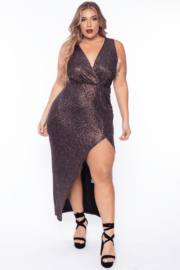 A model wearing a plus-size metallic brown dress.