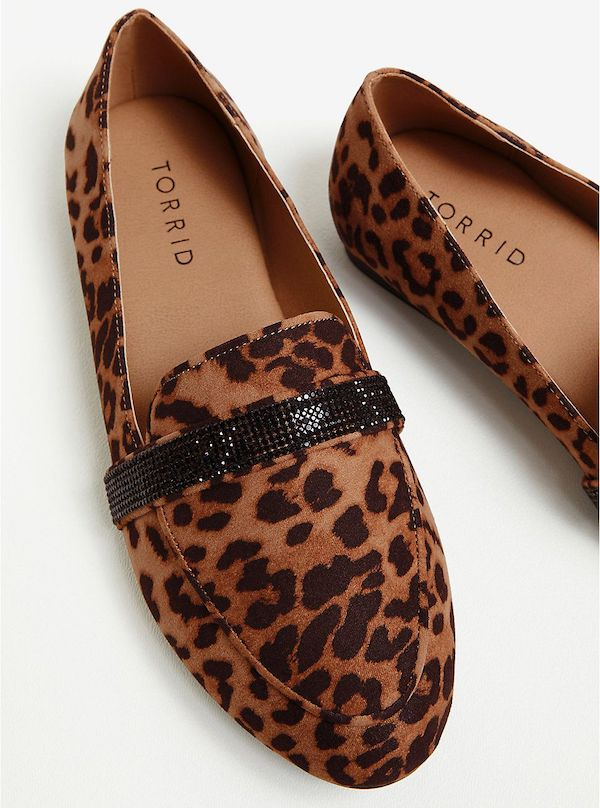 Wide-fit loafers in leopard print.