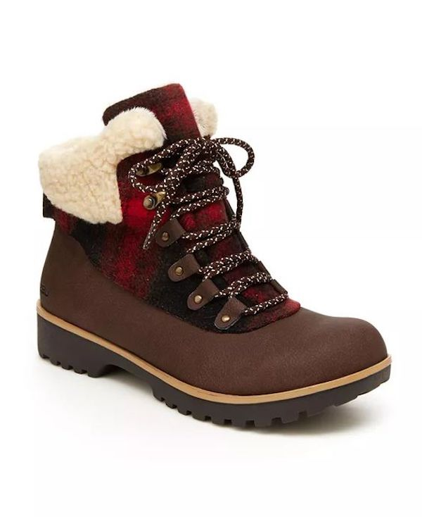 Wide-fit snow boots in brown and red plaid.