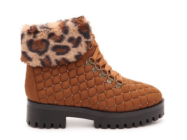 Wide-fit snow boots in brown with leopard faux fur.