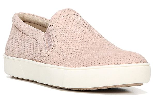 Wide-fit slip-on sneakers in pink.