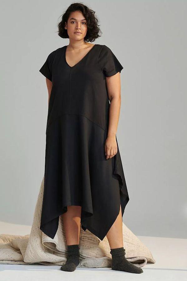 A model wearing a plus-size nap dress.