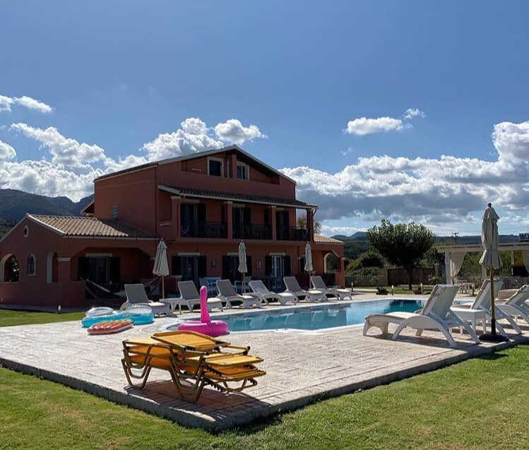 Photo of the villa and swimming pool we stayed at during the yoga retreat
