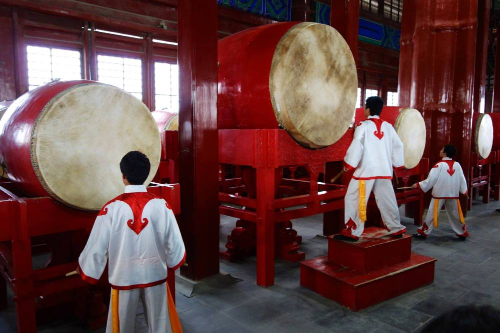 Drum tower display with the Kong Fu fighters