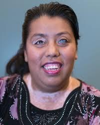 Blind tester Nancy Urquilla